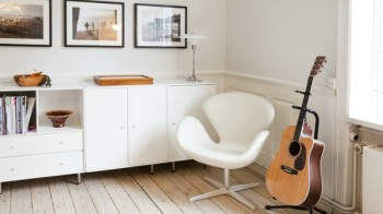 Scandinavian-Interior-Swan-Chair-by-Arne-Jacobsen